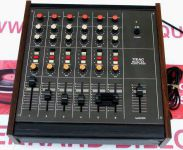 table de mixage TEAC 2A